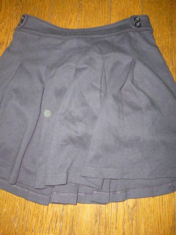【鳴成美鈴】黒スカート