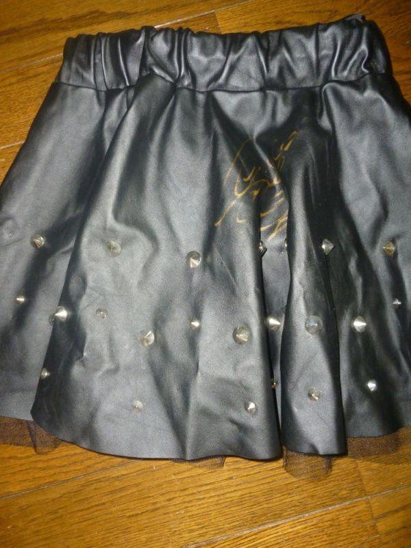 【榎本聖奈】黒スカート