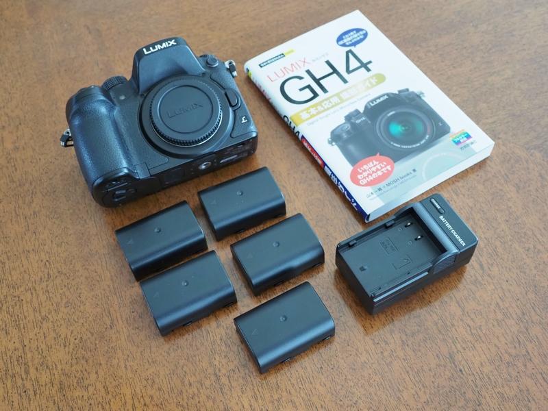 Panasonic LUMIX DMC GH4 ボディ シャッター回数2300 マニュアル本付き パナソニック ミラーレス一眼
