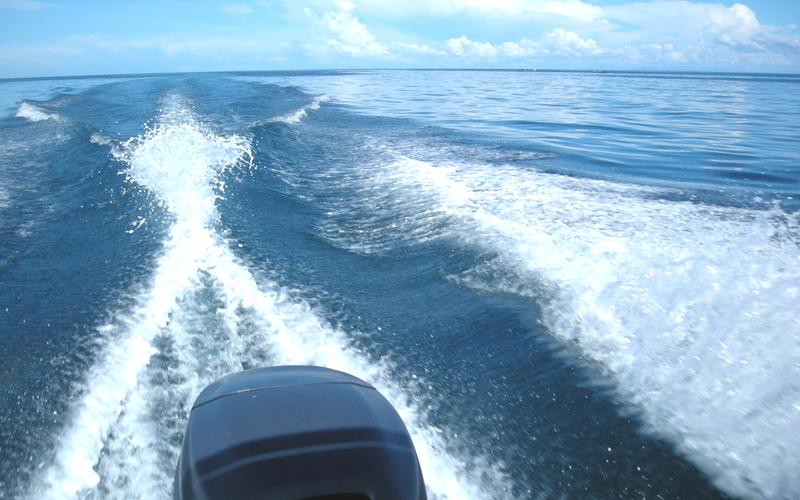 海外 フィリピン セブ島近くの島 屋根付き艇庫保管 ヤマハ モーターボート 40馬力 フィリピン現地お引き渡し_画像3
