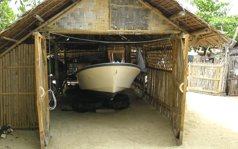海外 フィリピン セブ島近くの島 屋根付き艇庫保管 ヤマハ モーターボート 40馬力 フィリピン現地お引き渡し_画像4