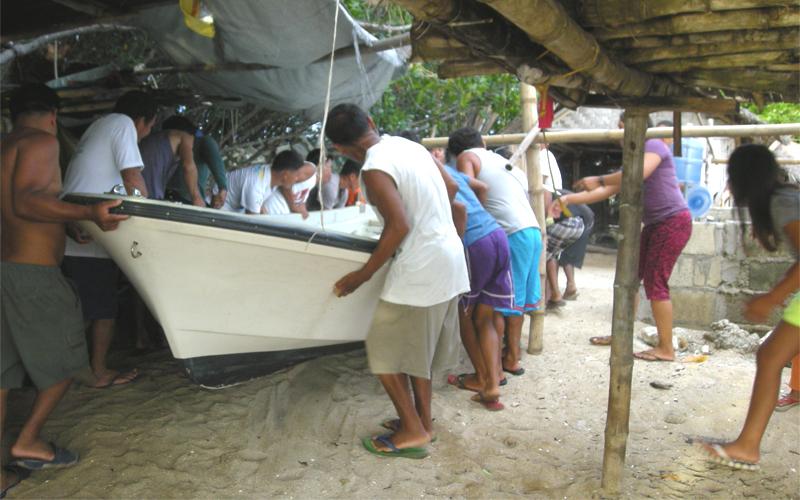 海外 フィリピン セブ島近くの島 屋根付き艇庫保管 ヤマハ モーターボート 40馬力 フィリピン現地お引き渡し_画像6