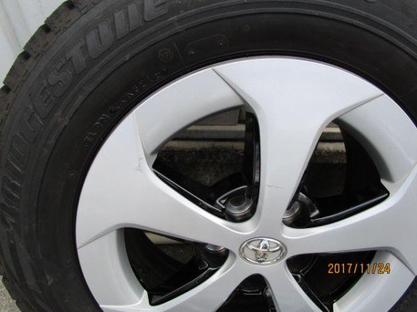 トヨタ プリウス ZVW30 後期 純正ホイール(ホイールキャップ付き) スタッドレスタイヤ 4本セット_画像3