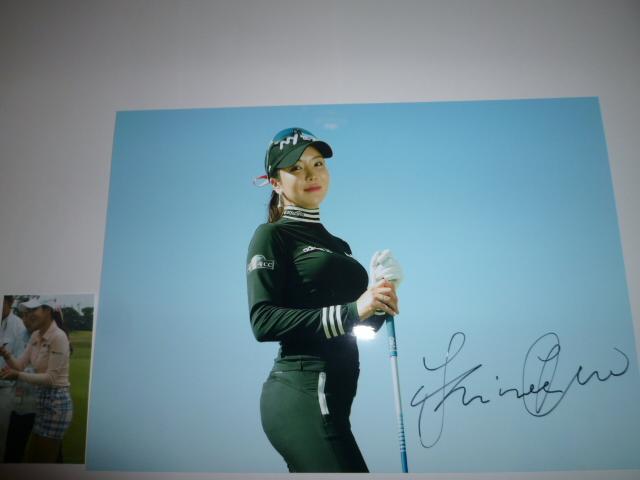 非売品 LPGAゴルフ界の天使 アン・シネ さんセクシー直筆サイン書き込みフォット