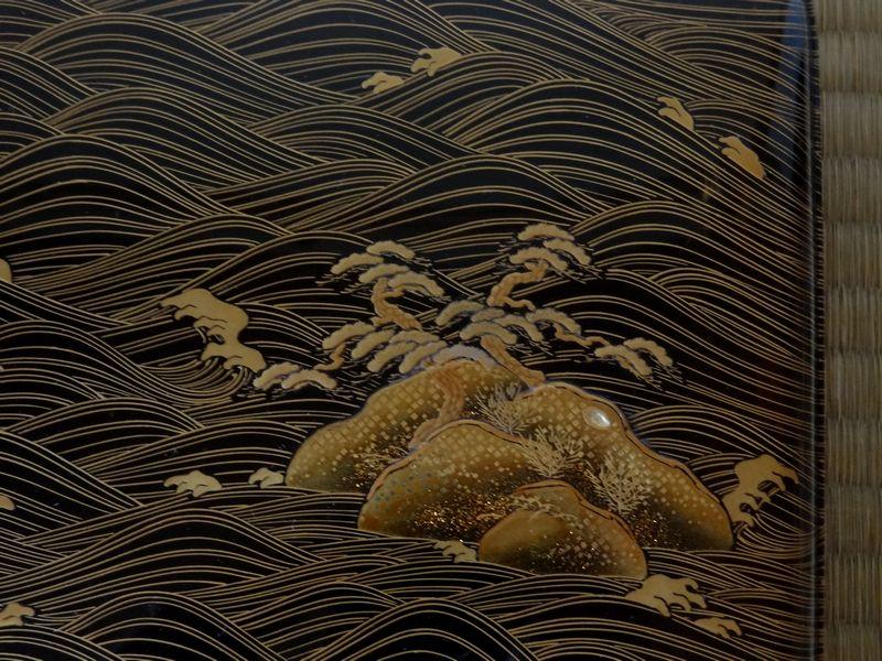 黒漆  梨子地  山水岩松図  本金高蒔絵硯箱  銀縁  合わせ箱付  江戸時代_画像5