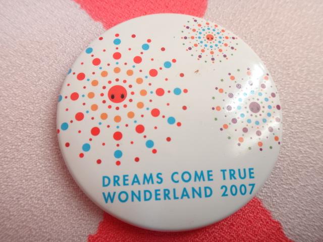 ドリカム 缶バッジ DREAMS COME TRUE WONDER LAND 2007 送料82円定形郵便又は164円クリックポスト