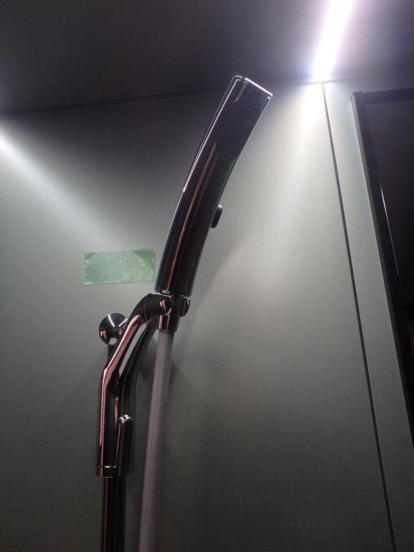 J2-01 展示品 小傷あり Panasonic 1822 ユニットバス LED照明 泡風呂 水栓 シャワー 排水トラップ付き 換気暖房ダミー無し_画像3