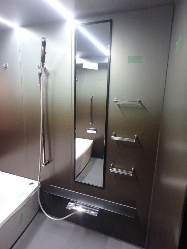 J2-01 展示品 小傷あり Panasonic 1822 ユニットバス LED照明 泡風呂 水栓 シャワー 排水トラップ付き 換気暖房ダミー無し_画像2
