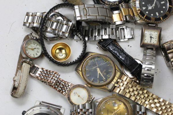 ■ ジャンク カシオ ワイヤード ゲス ファッション時計 クウォーツ 時計 まとめて 43個セット ■_画像3