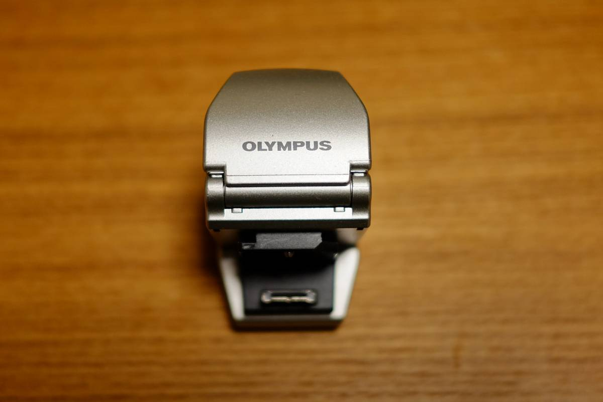 オリンパス OLYMPUS VF-2 シルバー E-P2 E-P3等に! 取付部分に欠けありの為格安スタート! 送料510円~ 取付・作動OK! 実用される方に!