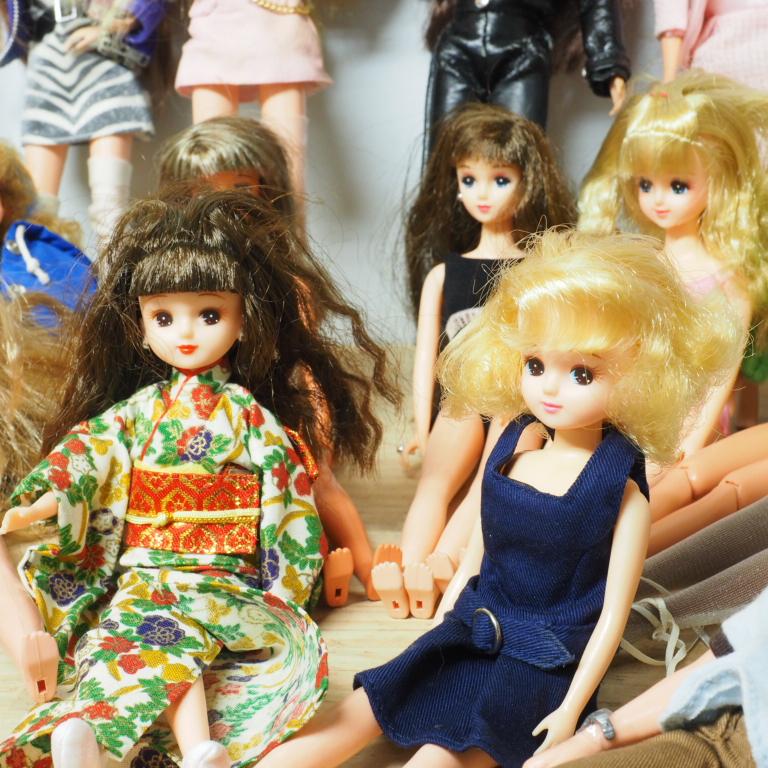 O) リカちゃん ジェニー バービー ブラッツ等 人形25体_画像2