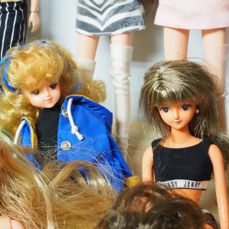 O) リカちゃん ジェニー バービー ブラッツ等 人形25体_画像6