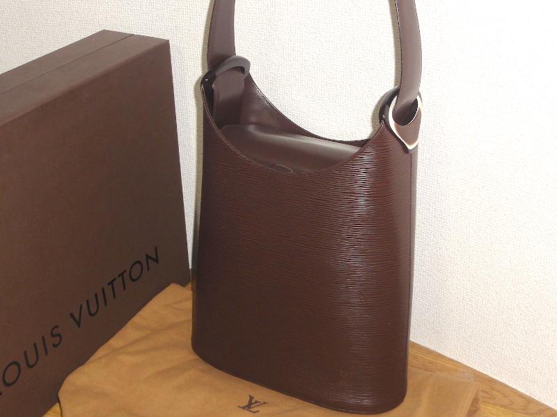 ♪新品同様の超おしゃれなバッグです♪