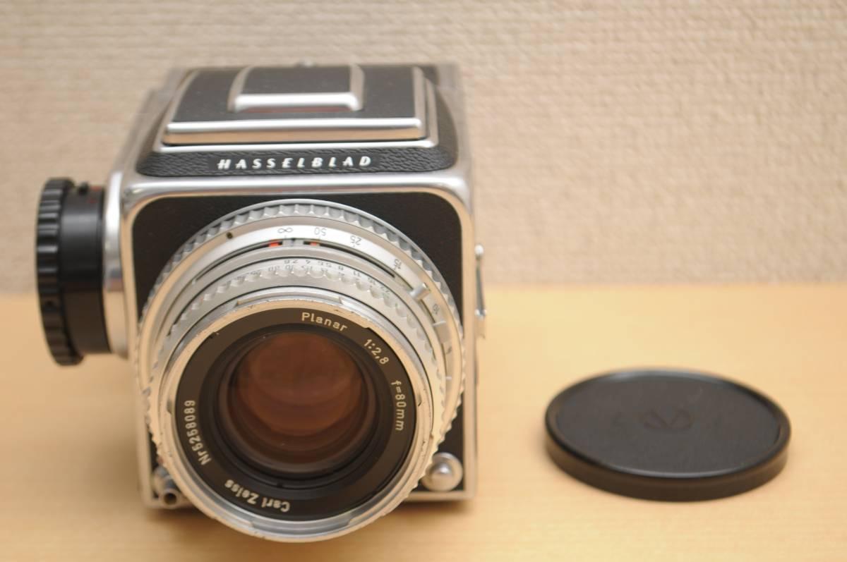 ハッセルブラッドHASSELBLAD 500C/M + A12マガジン + 稀少なシルバーの Carl Zeiss Planar 80mm F2.8