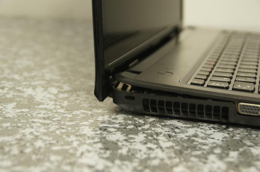 【ジャンク】Lenovo G570 Core i5モデル_画像2