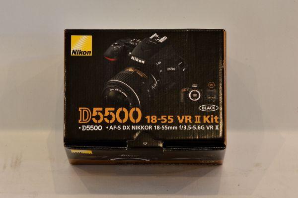 未使用★Nikon デジタル一眼レフカメラ D5500 18-55 VRII レンズキット ブラック 2416万画素 3.2型液晶 タッチパネル D5500LK18-55BK