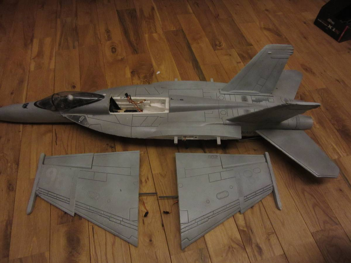 ジャンク商品 F18 部品取と改造にどうぞ_画像9