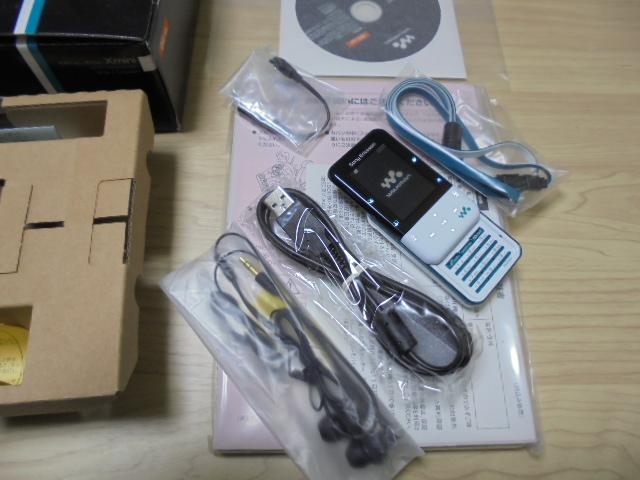 即決29800円 新品!Xmini W65S ホワイト×ターコイズ 白ロム_画像2