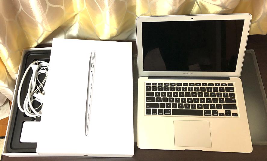 ☆★ 美品MacBookAir【送料無料】13inch/メモリ8G!! / MD231J/A Mid2012 Core i5 /SSD128GB/US