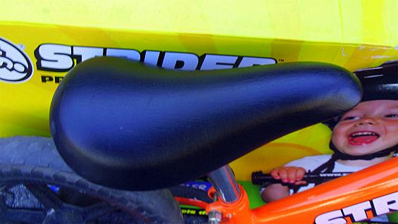 ストライダーSTRIDER ペダル無し自転車 キッズバランスバイク 中古美品_画像6