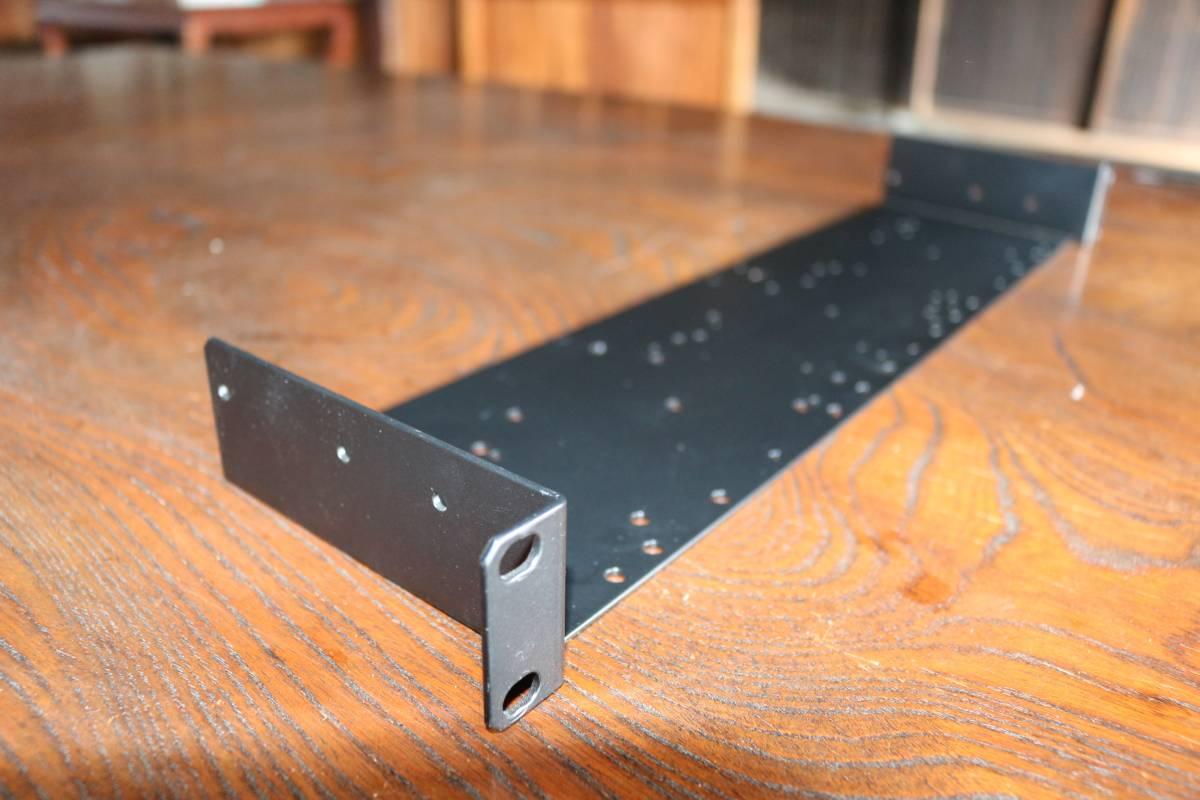 SHURE URT2 シュア アンダートレイラック シュアー PG4 PG88 PGX4 BLX4 BLX88 GLXD4 の各レシーバーで使用できます。