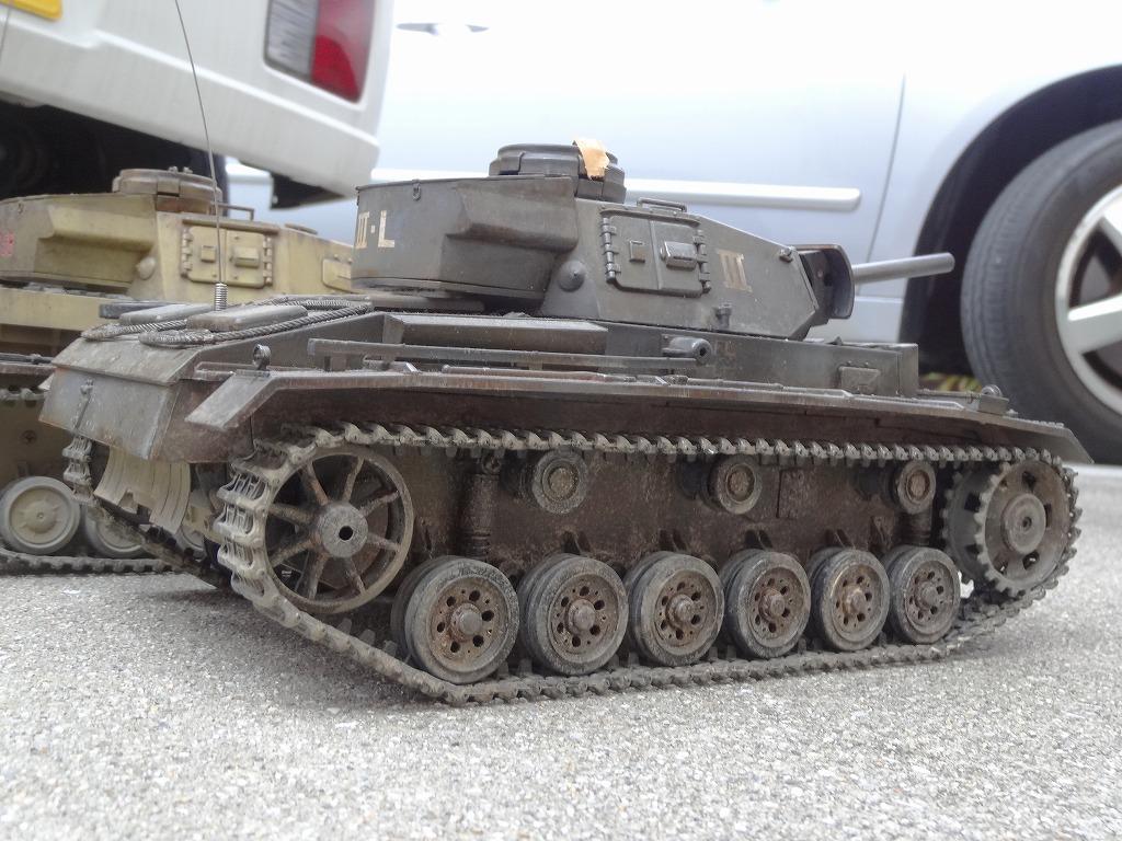 ● 1/16 3号戦車 3台セット プロポ大量 バッテリー2本 (金属履帯 金属砲身) ※ジャンクにて_画像4