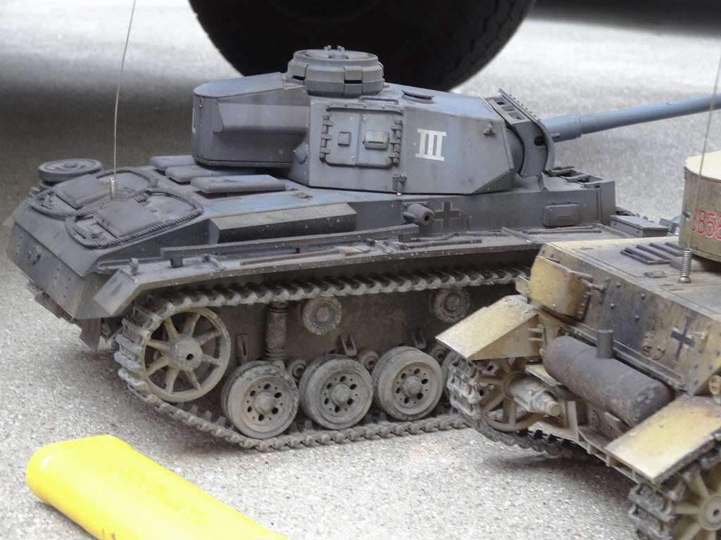 ● 1/16 3号戦車 3台セット プロポ大量 バッテリー2本 (金属履帯 金属砲身) ※ジャンクにて_画像5