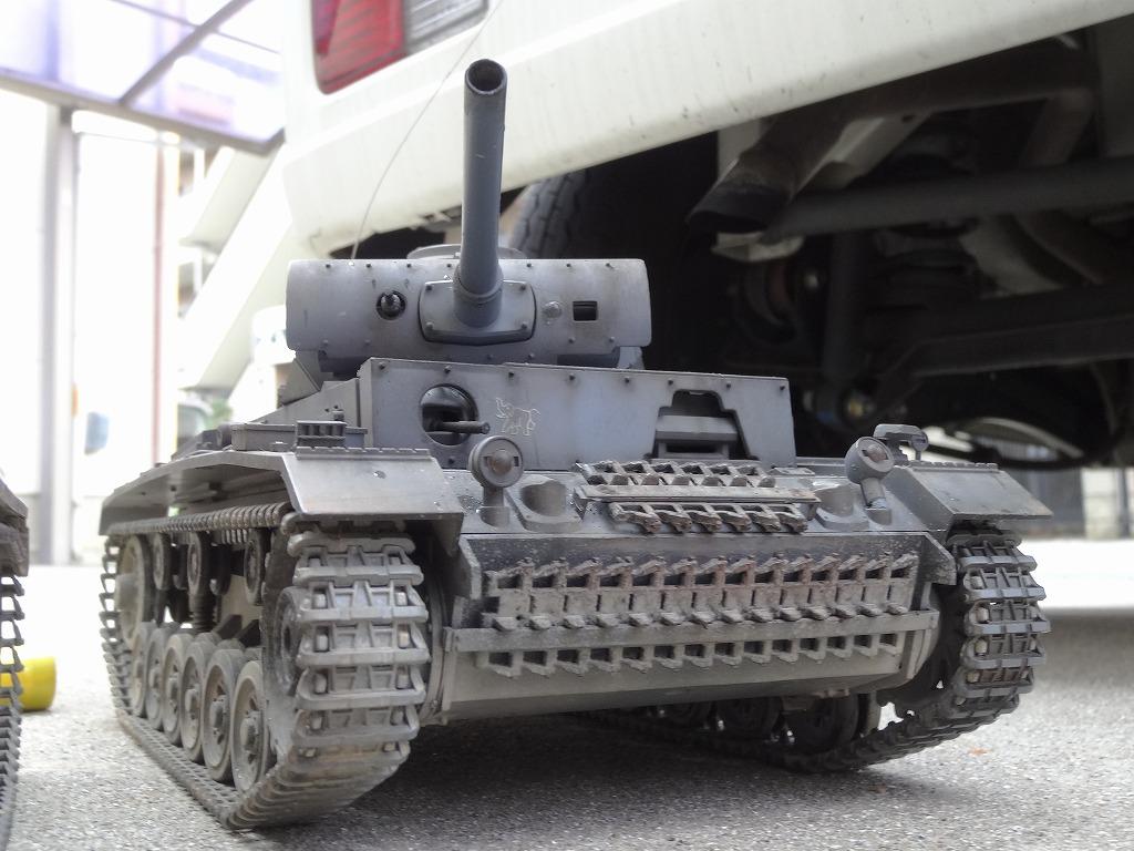 ● 1/16 3号戦車 3台セット プロポ大量 バッテリー2本 (金属履帯 金属砲身) ※ジャンクにて_画像2