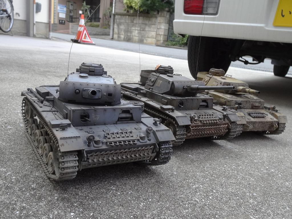 ● 1/16 3号戦車 3台セット プロポ大量 バッテリー2本 (金属履帯 金属砲身) ※ジャンクにて_画像10
