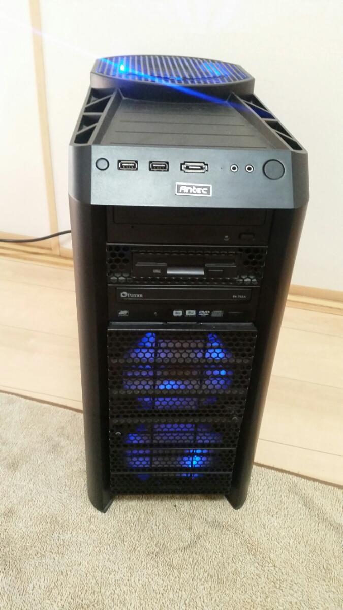 『まとめて』ANTEC PCケース Nine Hundred ATXミドルタワー DDR3 6GB ASUS P6T GEFORCE GTX200 TX650W PLEXTOR PX-755A
