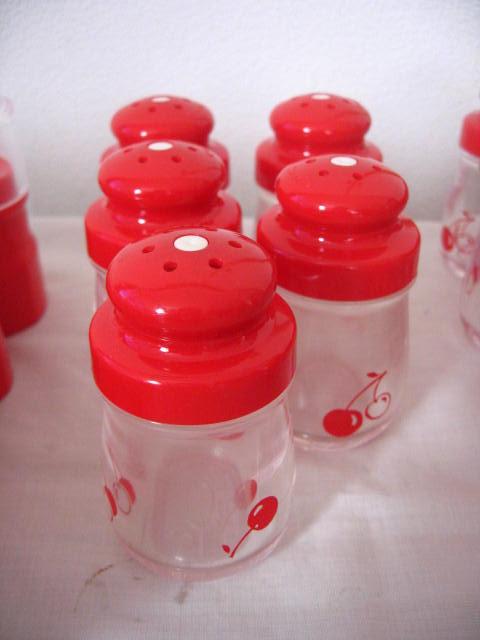◆塩・コショウ入れ 15個 爪楊枝入れ 15個 薬味入れ 4個◆業務用◆プラスチック製◆_画像4