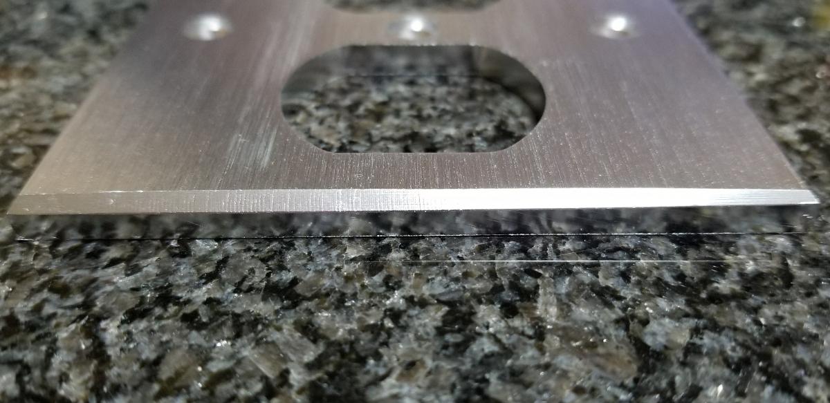 シルバー コンセントプレート コンセントカバー アルミ削り出し 5mm厚 ハイエンド仕様 B級品 自作電源ケーブル_画像2