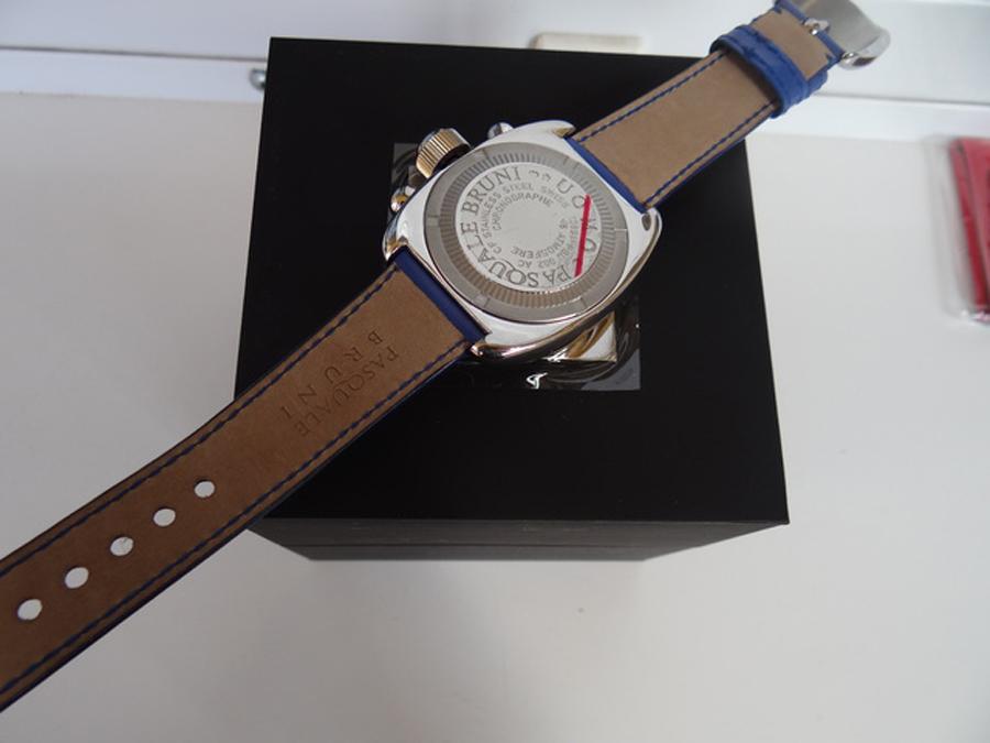 新品 パスクワーレ ブルーニ UOMO クロノグラフ 自動巻き 定価46万円 メンズ腕時計 ブルー文字盤 ブルーレザー PASQUALE BRUNI _画像9
