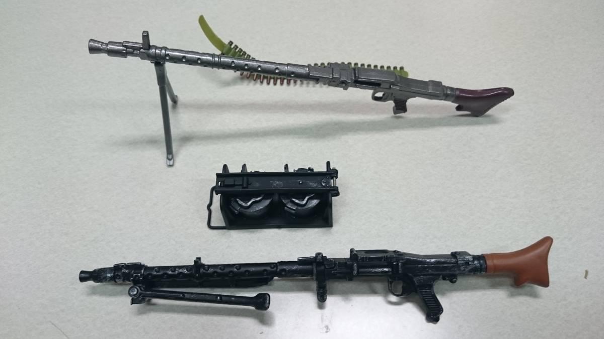 即決 ドラゴン 1/6 WWⅡ ドイツ軍 MP40、MP44(StG44)、ワルサー P-38、 PPK、MG42 計6丁セット_画像3