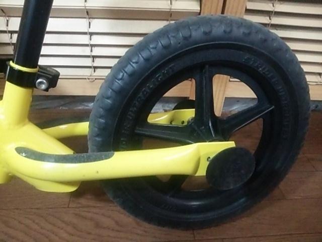 室内保管品 程度良好 ストライダー バランスバイク トレーニング自転車 イエロー 黄色_画像9