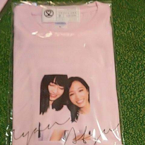 AKB48 小嶋陽菜 22market homies Tシャツ 小嶋陽菜 板野友美 ピンク XL