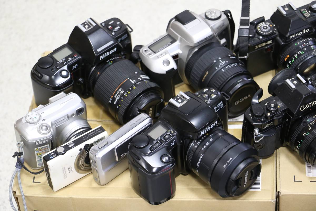 ジャンク カメラ レンズ 多数 ニコン キヤノン ミノルタ デジカメ 一眼レフ ストロボ 即決なら年末年始も発送できます。_画像2