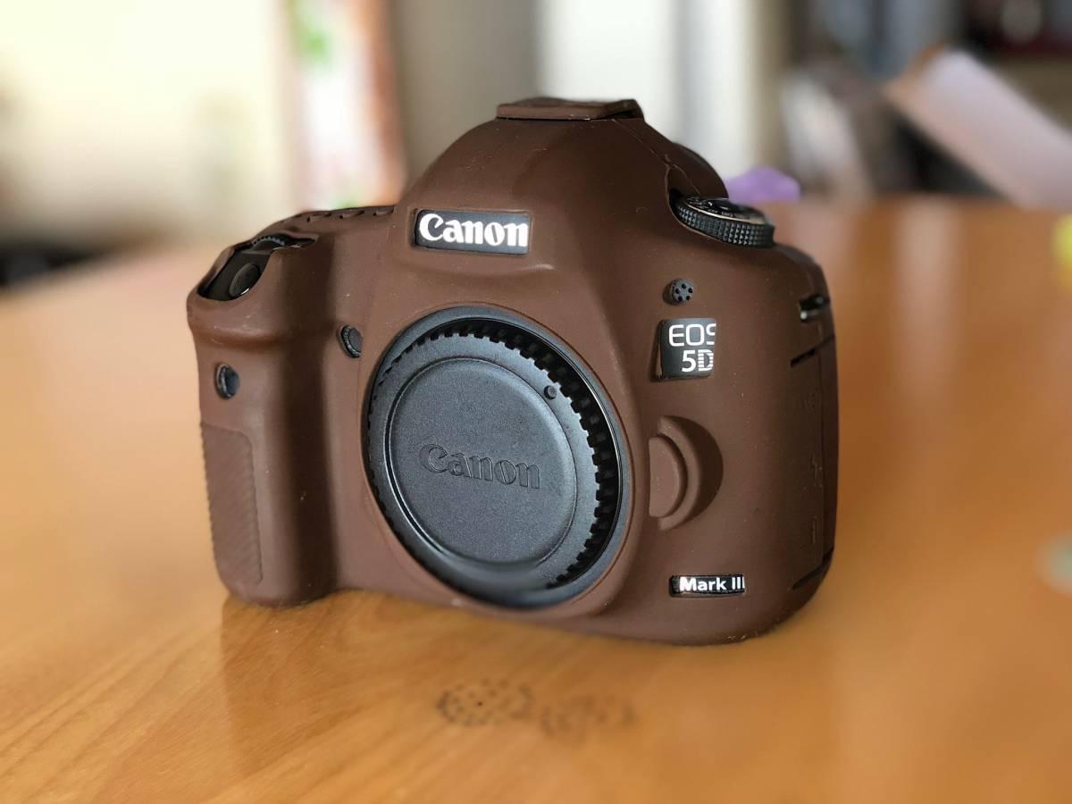 Canon EOS 5D Mark III ボディー 美品 シリコンカバー等オマケ付き