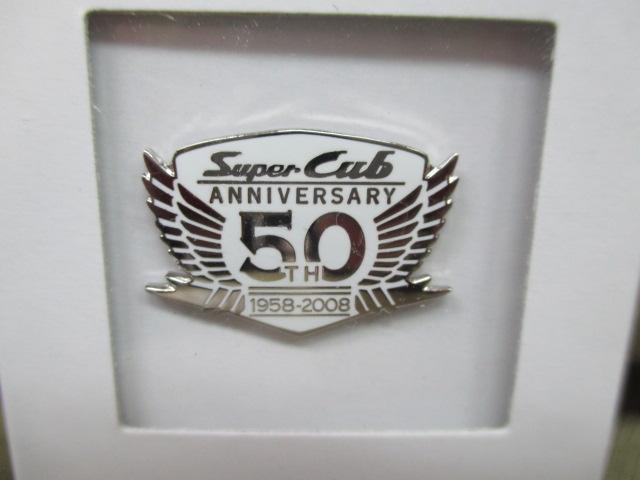 ホンダ ピンズコレクション スーパーカブ 50周年記念ロゴ ホワイト
