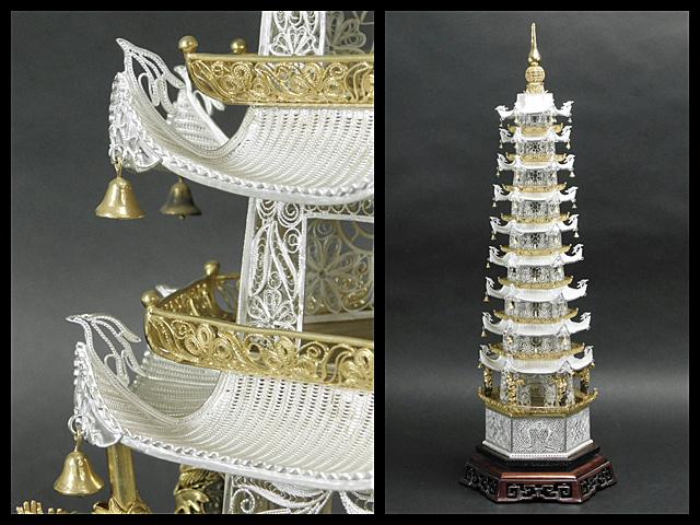 【交渉可!!】銀製 多宝塔(仏舎利 密教 仏教美術)細密細工 置物 透彫 紅木台付 珍藏 古董
