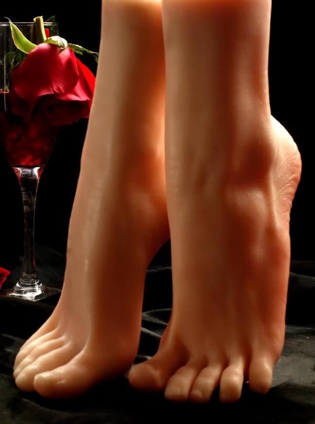 Видео голые женские ноги #9
