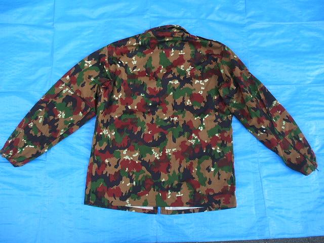 スイス軍M83アルペンカモ(迷彩)フィールドジャケット,1984-85年新品,size52(L寸),(19-7-9-1)_背面