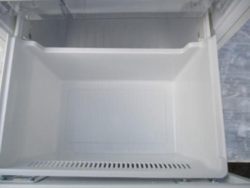 【消費税なし・最高級美中古品】AQR-16F(W)/AQUA/アクア/冷蔵庫/157L/右開き/2ドア/ミルク/17年製_画像9