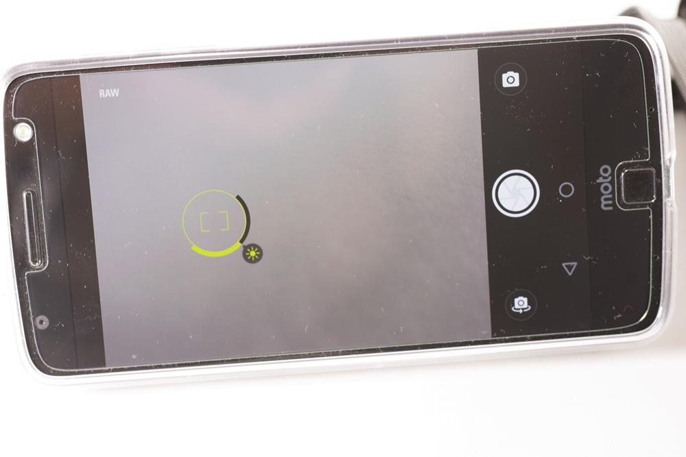 モトローラ Moto Z(SIMフリー海外版) + ハッセルブラッド True Zoom_画像7