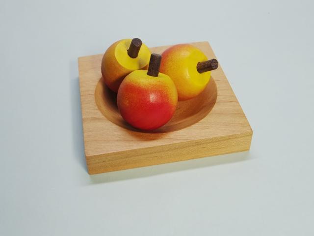 さくらんぼさかだちコマ(コマ3個と飾り皿のセット、オリジナルハンドメイド)