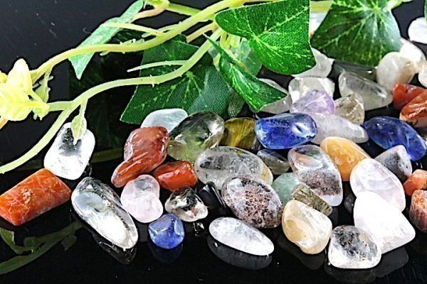 【送料無料】 200g さざれ 中サイズ ミックスジェムストーン 水晶 パワーストーン 天然石 ブレスレット 浄化用 さざれ石 チップ ※4_画像1