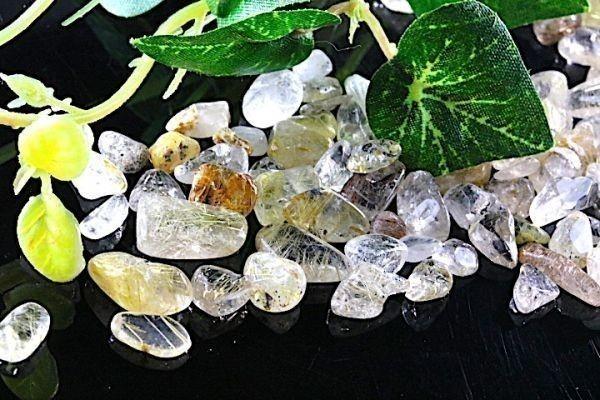 【送料無料】 200g さざれ 小サイズ ミックス ルチル クオーツ 針 水晶 パワーストーン 天然石 ブレスレット 浄化用 さざれ石 チップ ※4_画像4