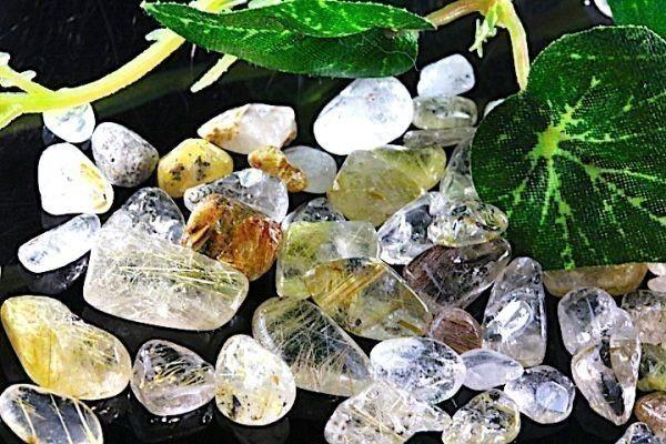 【送料無料】 200g さざれ 小サイズ ミックス ルチル クオーツ 針 水晶 パワーストーン 天然石 ブレスレット 浄化用 さざれ石 チップ ※3_画像5
