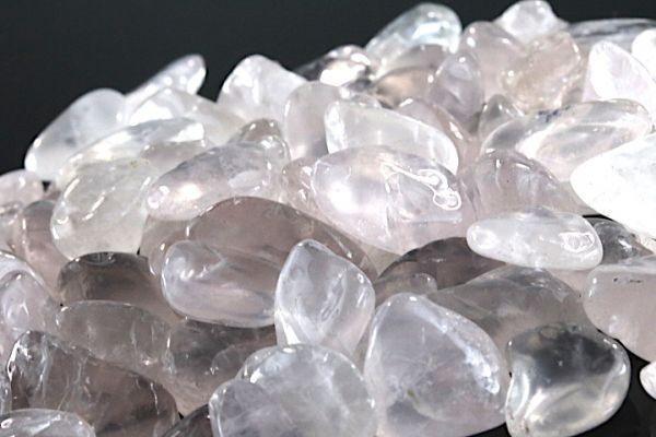 【送料無料】 200g さざれ 大サイズ ミルキー クオーツ 乳白 水晶 パワーストーン 天然石 ブレスレット 浄化用 さざれ石 チップ ※4_画像3