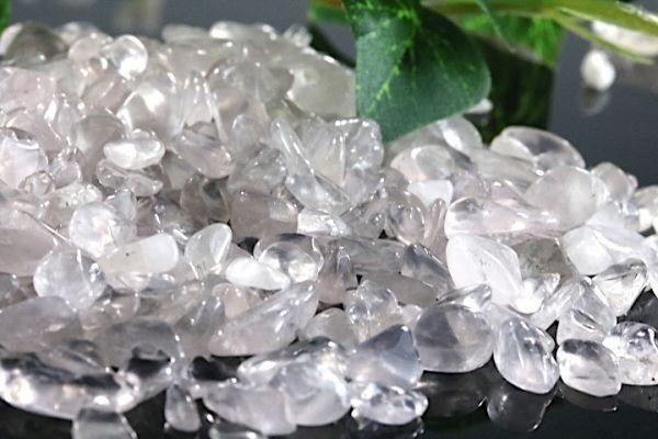 【送料無料】 200g さざれ 小サイズ ミルキー クオーツ 乳白 水晶 パワーストーン 天然石 ブレスレット 浄化用 さざれ石 チップ ※4_画像5